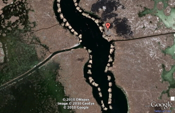 Google Earth view of the islands at Uros - click to go there